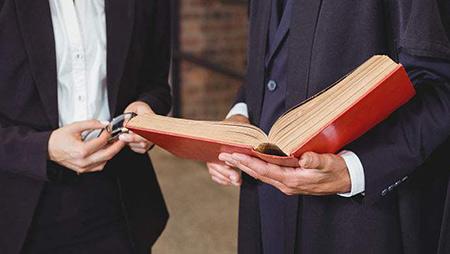 聘请企业法律顾问的四大重要作用