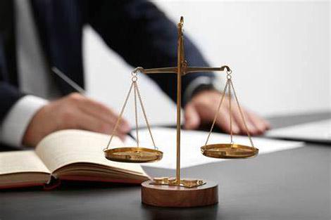 公司有法律顾问打官司还另收费吗